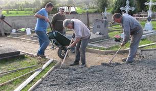 Des bras pour la rénovation du cimetière