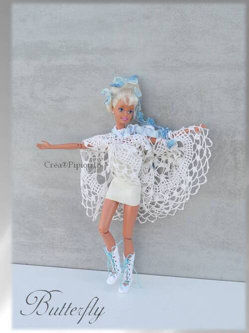 "Barbie en modèle ""Butterfly"" au crochet"