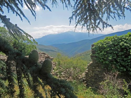 Le Sentier d'Arletes et autres hameaux perdus depuis Conat