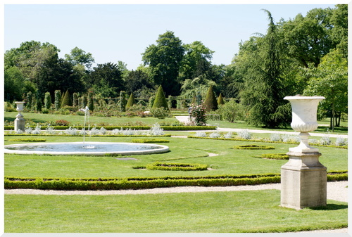 Parcs et jardins de Bagatelle Paris.