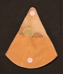 Trousse et porte-monnaie en cuir