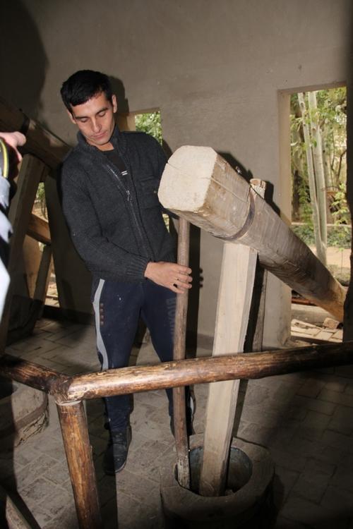La fabrication du papier de soie, à Samarcande.