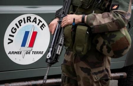 - Le pouvoir veut créer une Garde nationale contre-révolutionnaire