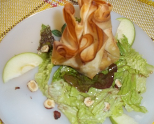 Aumônière au chèvre & pommes caramélisées