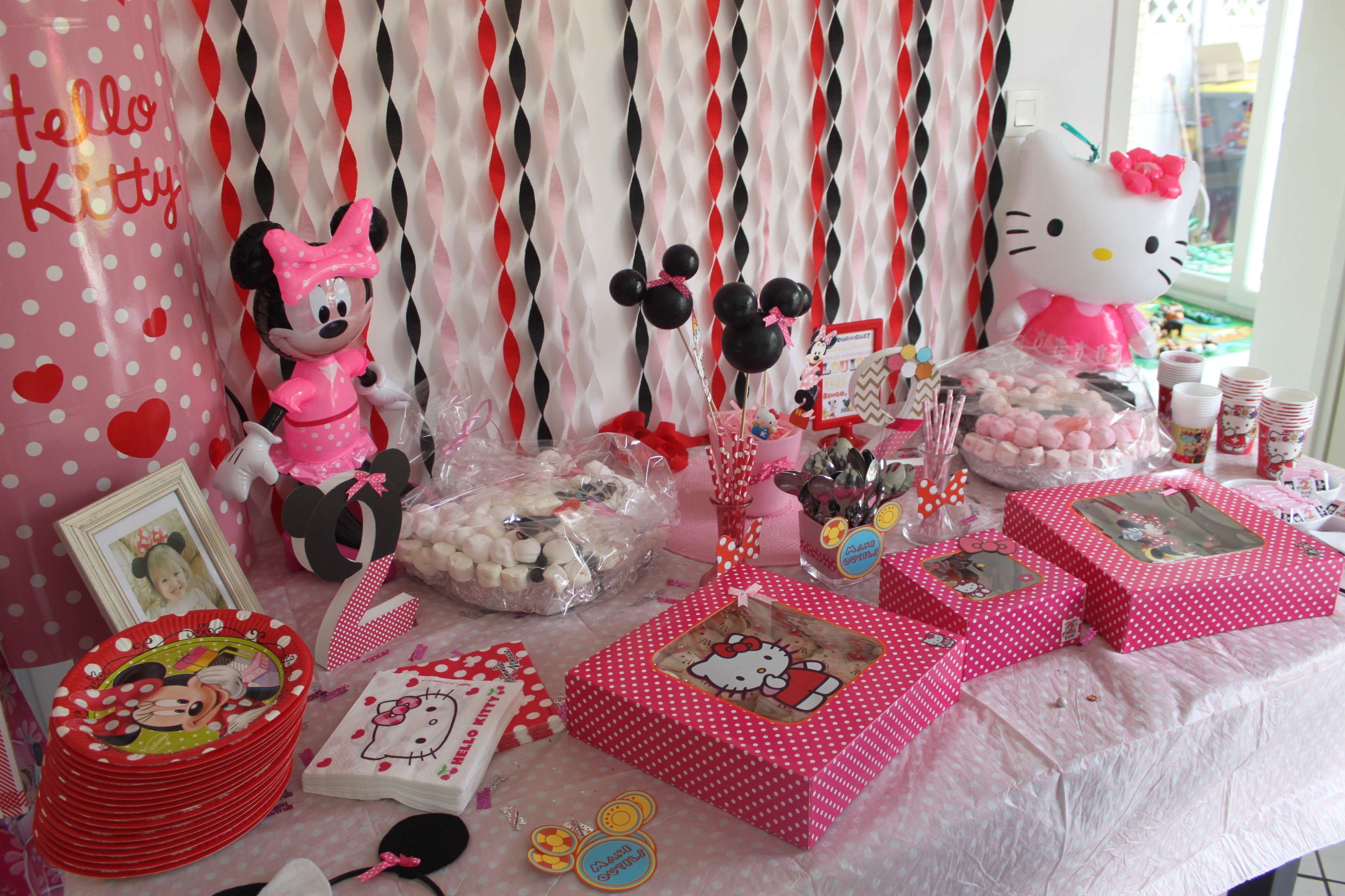 decoration minnie pour anniversaire. Black Bedroom Furniture Sets. Home Design Ideas