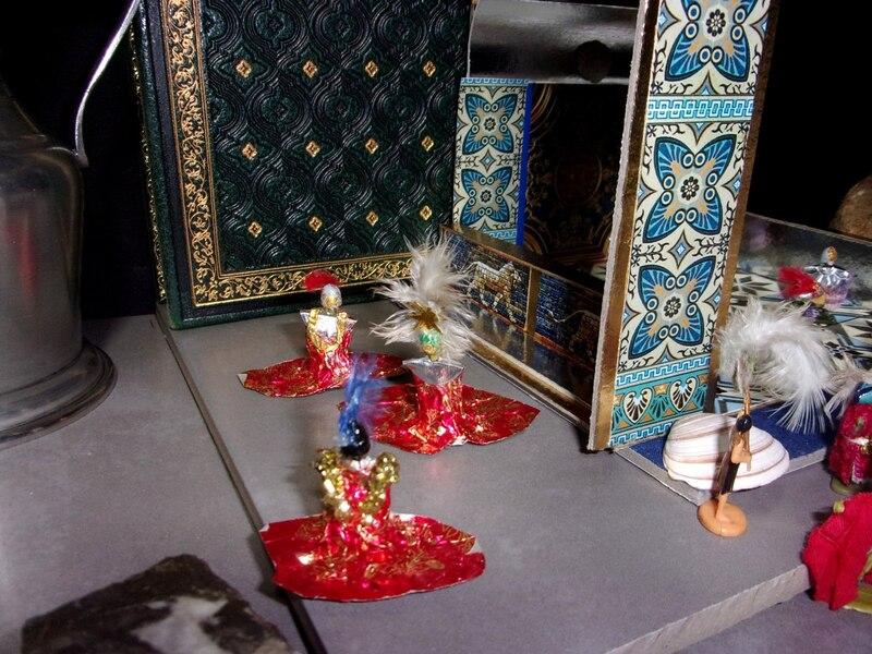 Aujourd'hui : Gaadushnor empereur d'Orchide, des femmes combattantes, des murs mous mystérieuxx et cette ordure de Père Noël