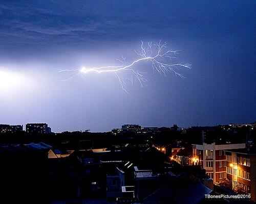 Wolu1200 : Photo d'une nuit d'orage mémorable dans notre commune
