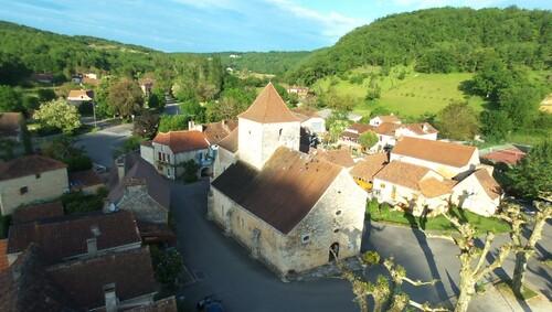 Quelques photos aériennes de l'église de Gigouzac