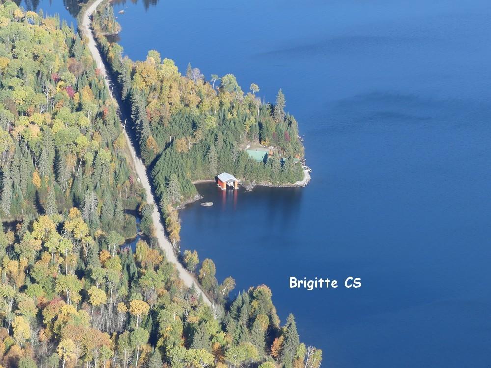 Baptême de l'air en hydravion au dessus de la Mauricie au Canada (2/2)...