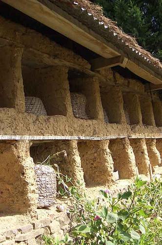 Les murs à abeilles ...