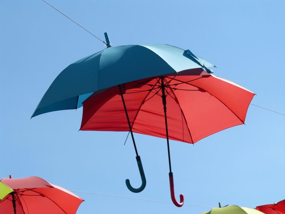 Au revoir les parapluies-ombrelles