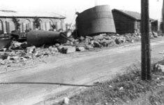 31 Aout 1944. Gare de Méru, les réservoirs détruits.