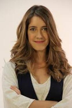 Clara Alonso ( Angie )