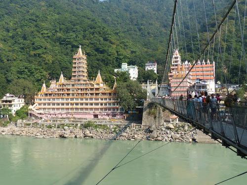 un temple dédié à Shiva à Rishikesh
