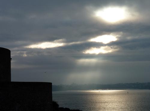 rayon de lumière sur la mer