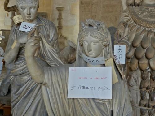 Galerie Moulages Versailles femmes à réparer