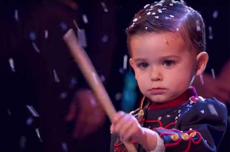 """A 3 ans, le petit Hugo remporte """"Incroyable talent"""" en Espagne"""