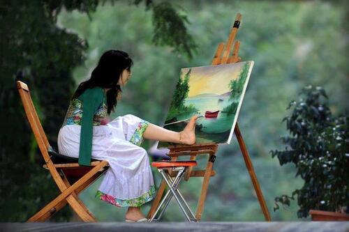 Peinture avec les pieds!