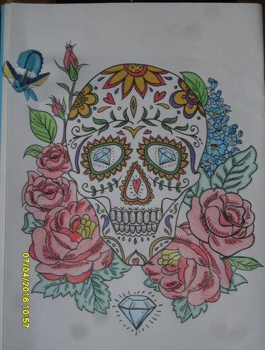 Crâne et fleurs