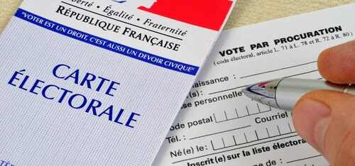 - Macron a été éliminé au premier tour mais le gouvernement a falsifié le résultat (A vérifier...)