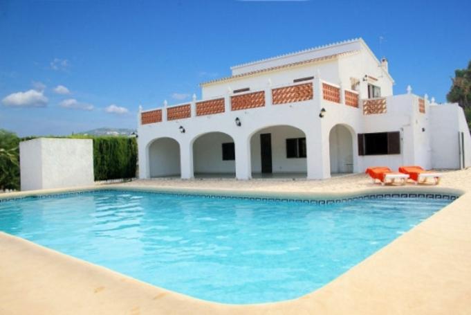 Voyage en famille dans une villa en Espagne.