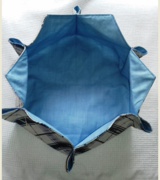 VERONIQUE  une panière hexagonale