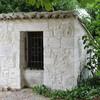 VALEILLES le puits sur la plce de l'église ST MARTIN