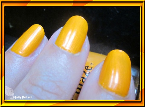 Swatch China Glaze Orange Hot You ?