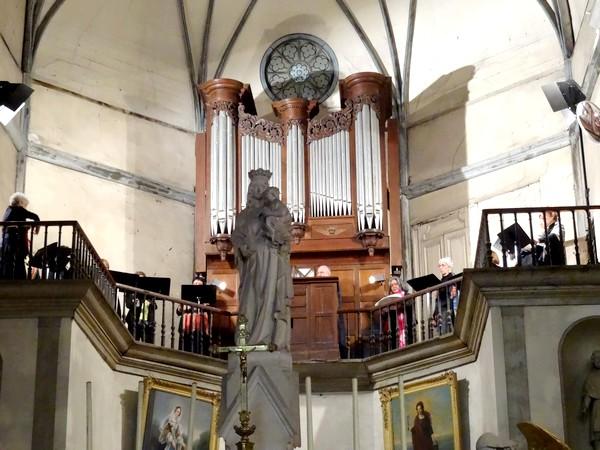 """Un beau concert """"orgue et chant"""" a eu lieu à l'église Saint-Pierre (ex Notre-Dame)"""