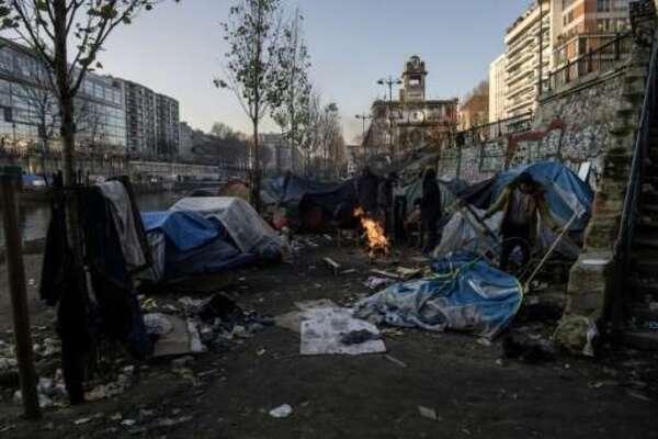 Migrants à Paris: Hidalgo en appelle au Premier ministre