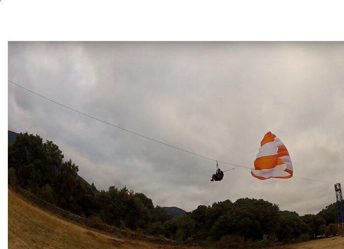 201709-26  Essai parachute de secours à Signes