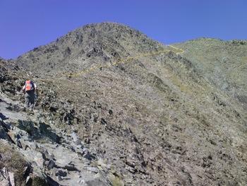 Sur le sentier avant la traversée sur les rochers