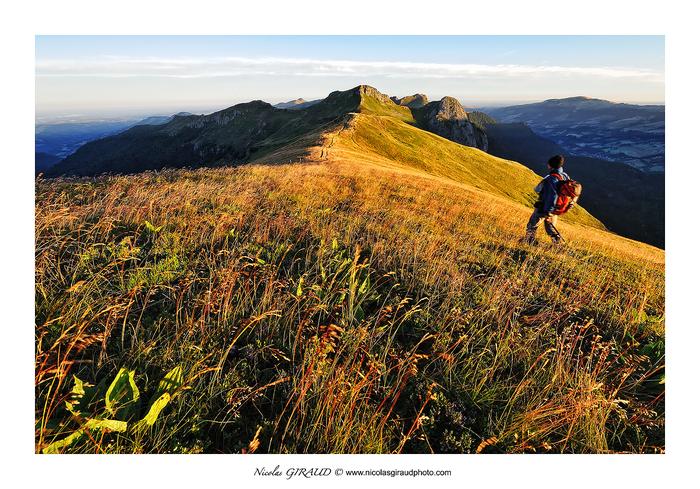 Randonnée au Roc des Ombres, le Cantal plein Ouest!