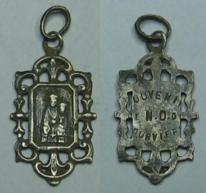 médaille religieuse souvenir Notre Dame de Fourvière