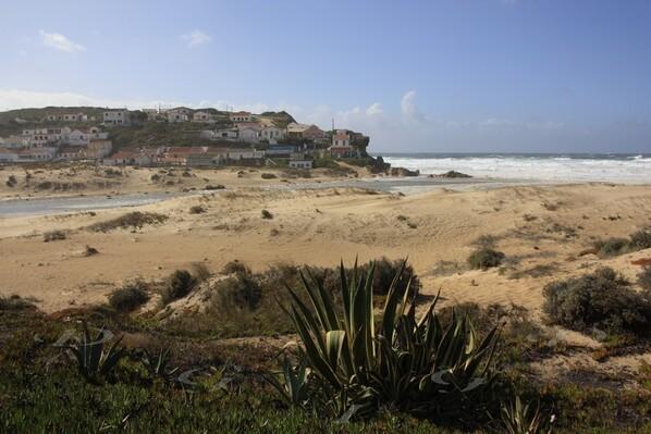 Praia-de--monte-Clerigo--23-.JPG