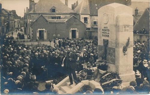 Les monuments aux morts de la Grande Guerre dans le Loiret