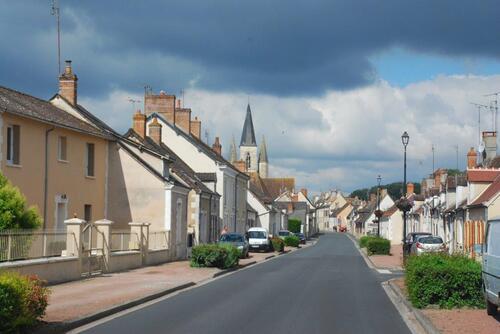L'entrée du village et le clocher de l'Eglise St Madeleine
