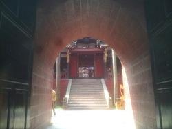 traverser le temple