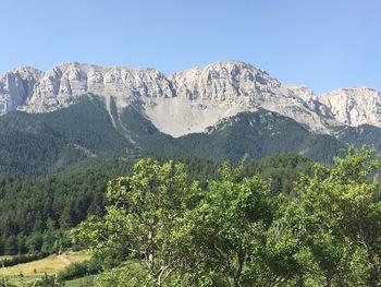 Premières vues rapprochées de la Serra de Cadi