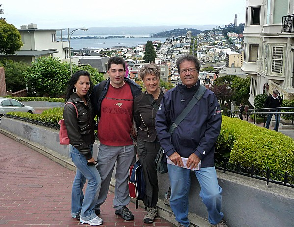 San-Francisco-Nous-Lombard-Street.jpg