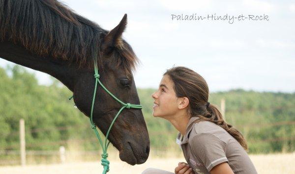photo cheval et homme