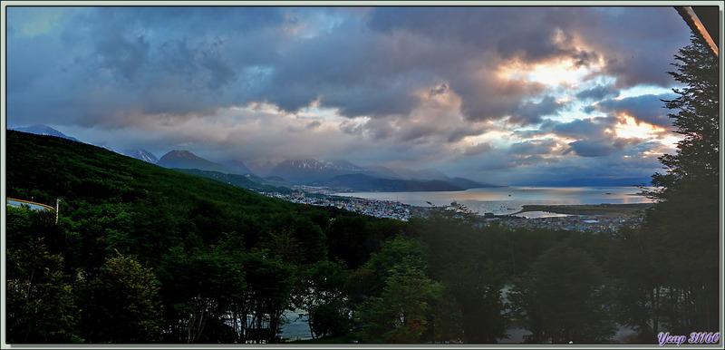 Troisième jour en Terre de Feu : lever du jour sur Ushuaïa et sa baie - Argentine
