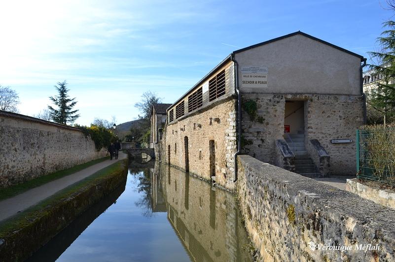 Ville de Chevreuse : Ancien séchoir à peaux (promenade des Petits Ponts)