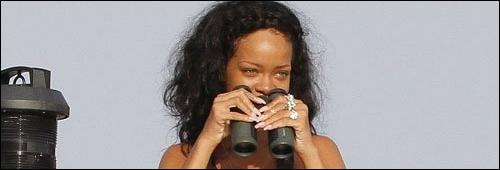 Rihanna sur son yacht à St Jean De Luz