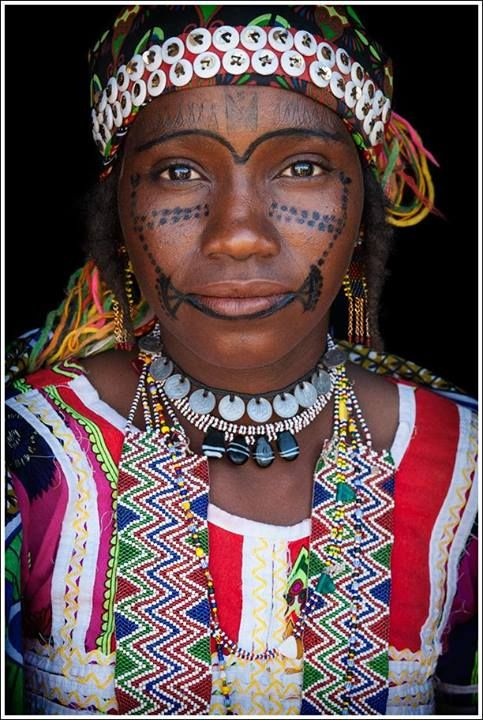 Africa | Hausa Fulani woman from eastern Niger. | ©John Kenny