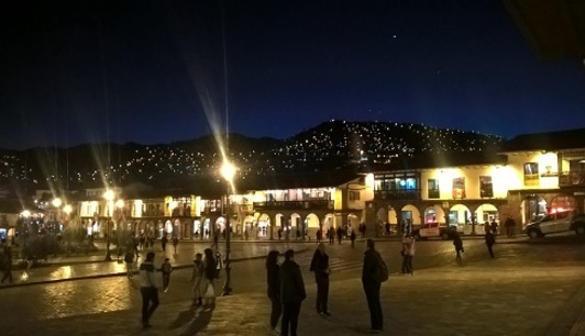 place centrale by night Cuzco