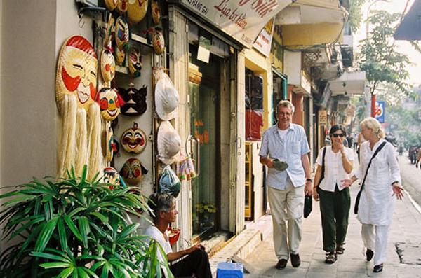 Les visiteurs étrangers « tips » les uns aux autres ce qui quand à Hanoi