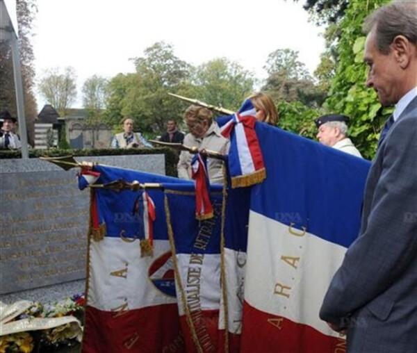 Le-maire-de-Paris-Bertrand-Delanoe-a-rendu-hommage-a-ceux-q.jpg