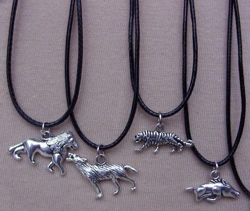 Colliers lion, loup, guépard et sanglier