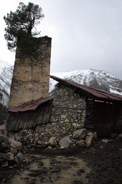 Les Svanes: enclavement chez un peuple fort
